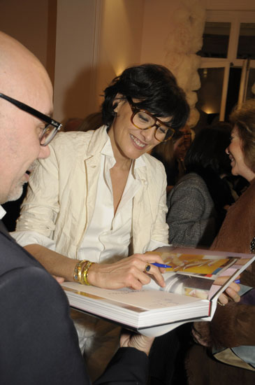 Roger-Vivier304 Fashion Shows Catwalk Backstage Designer.