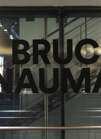 Bruce-Nauman-Fondation-Cartier1-400x550 Reportages photo Expositions, Concerts, Opéra, Festivals...