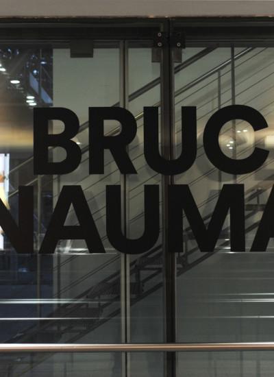 Bruce-Nauman-Fondation-Cartier1-400x550 Reportages photo Expositions, Concerts, Opéra, Festivals...