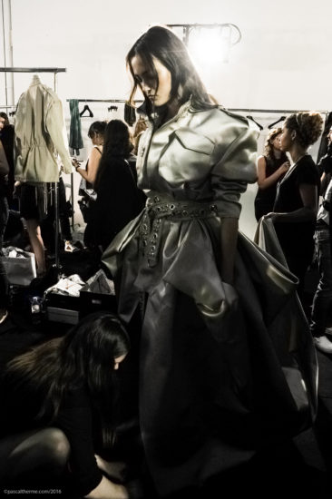 A.Vauthier-FW-2016-7_Couture-804-366x550 Fashion Shows Catwalk Backstage Line up Designer.