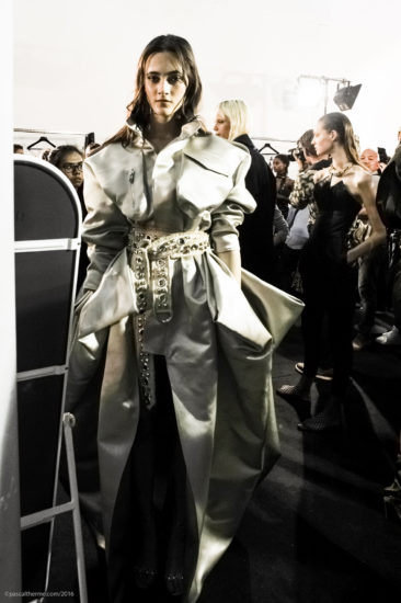 A.Vauthier-FW-2016-7_Couture-805-366x550 Fashion Shows Catwalk Backstage Line up Designer.