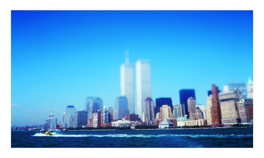 ny-memories-the twin's tower from the fairy to Liberty Island-couleur