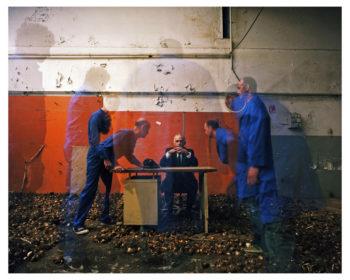 """07-la-menace-350x280 ESTELLE LAGARDE « Maison d'arrêt » et « Lundi matin » sous le titre """"Libertés Conditionnelles"""" mois de la photo du Grand Paris. ART"""