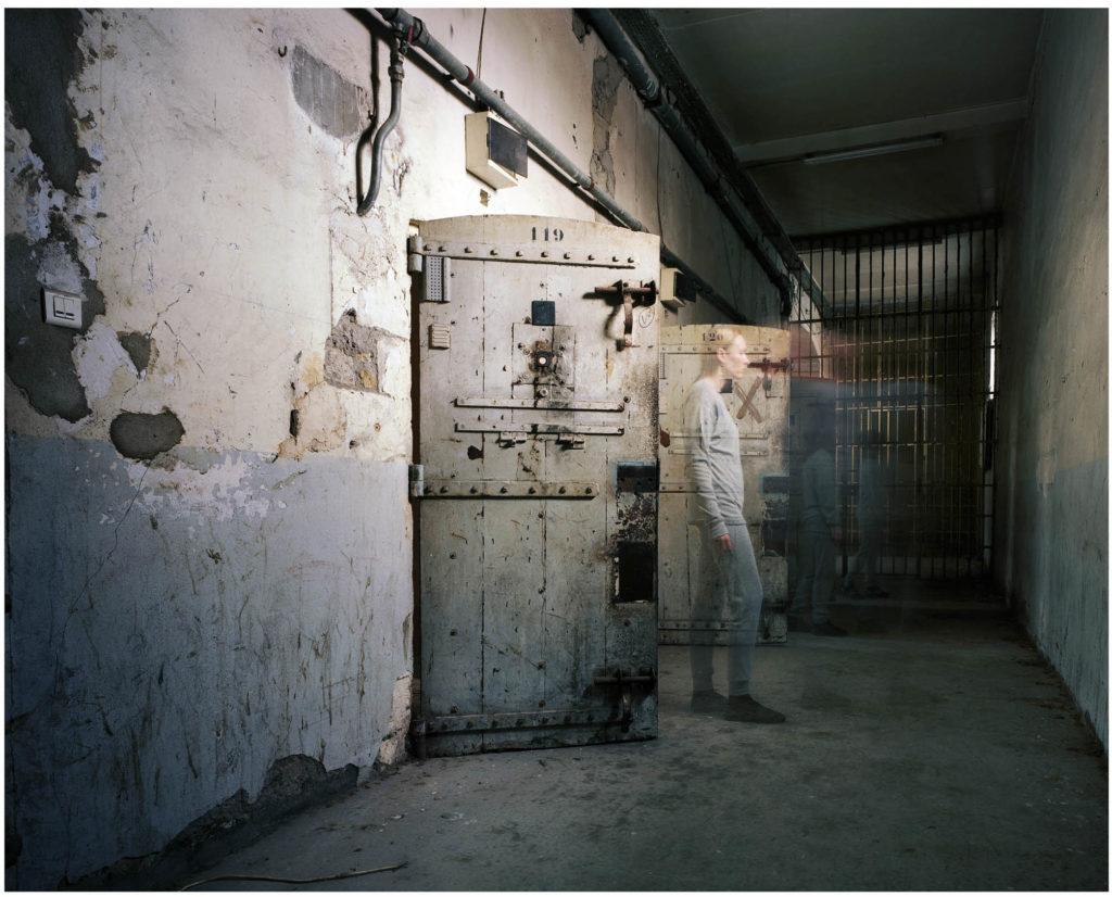 """liberté-conditionnelle-1024x826 ESTELLE LAGARDE « Maison d'arrêt » et « Lundi matin » sous le titre """"Libertés Conditionnelles"""" mois de la photo du Grand Paris. ART"""