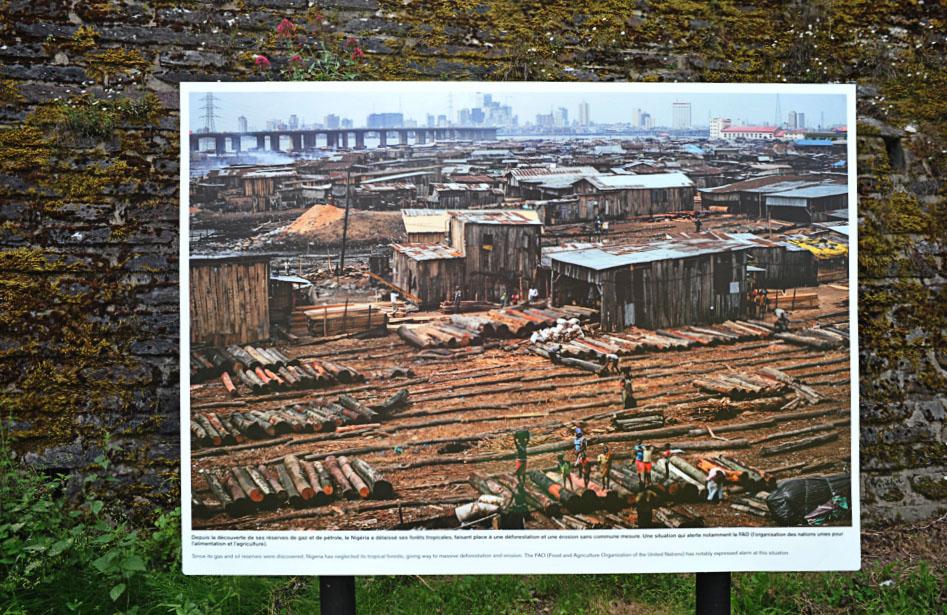 La_Gacilly-_Akintunde_AKINLEYE-_Nigerie_dns_le_ventre_dun_geant-6 LA GACILLY AU PAS DE COURSE ET POUR AUTANT…. ART