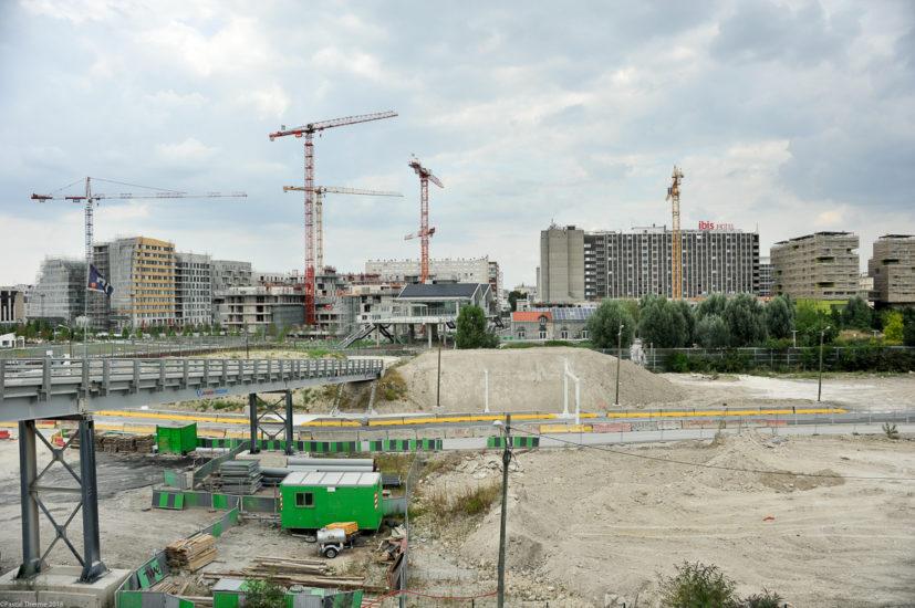 Parc_Clichy_BatignollesMartin_Lutherking-7202-827x550 Reportage Photo Paris : Architecture