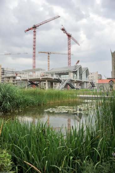 Parc_Clichy_BatignollesMartin_Lutherking-7361-366x550 Reportage Photo Paris : Architecture