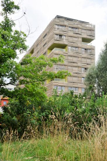 Parc_Clichy_BatignollesMartin_Lutherking-7397-366x550 Reportage Photo Paris : Architecture