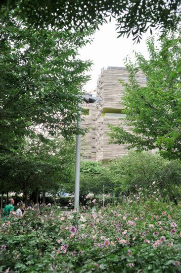 Parc_Clichy_BatignollesMartin_Lutherking-7443-366x550 Reportage Photo Paris : Architecture