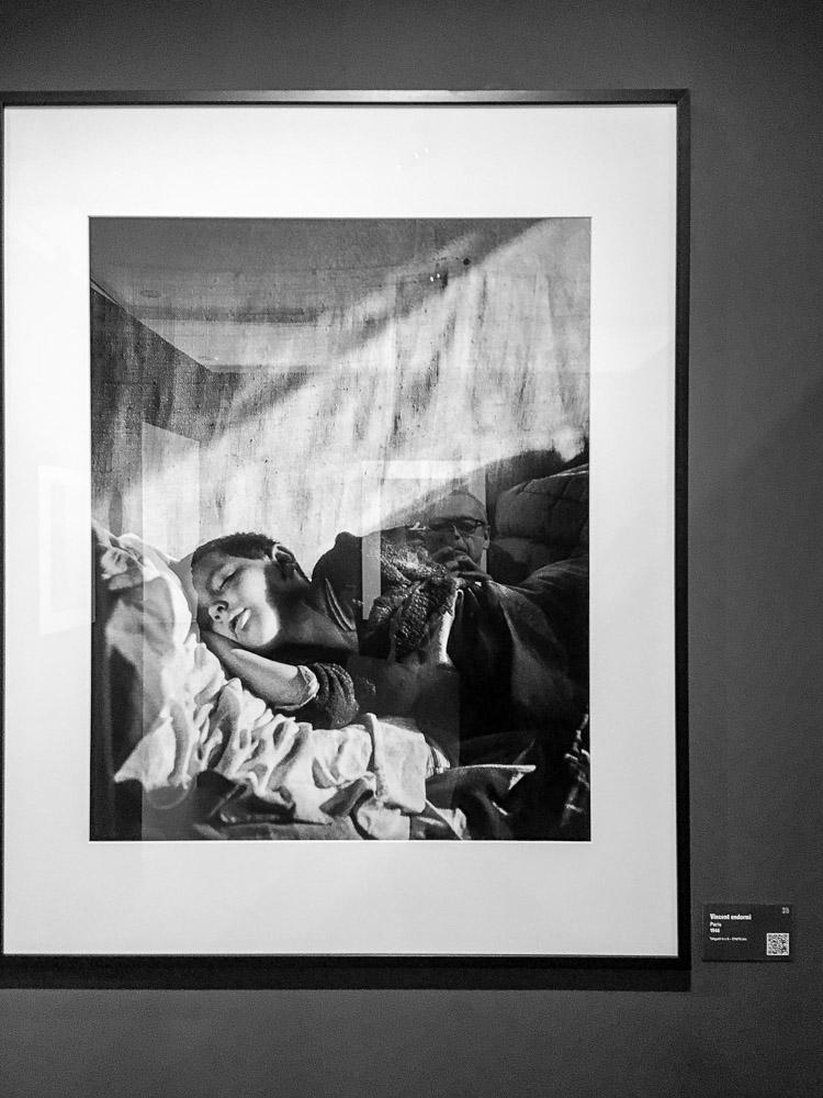 09-WILLY-RONIS-PAR-WILLY-RONIS Willy Ronis par Willy Ronis à Ménilmontant. ART