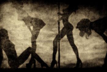 Web013-Zuili-Stripper-350x237 SMOKE & MIRRORS BY Guillaume ZUILI ART