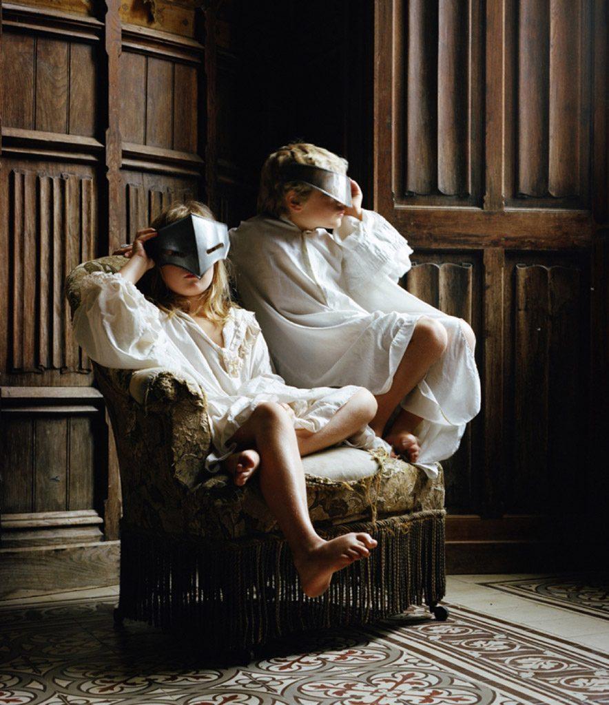 22Au-Château22-Les-masques-©-Estelle-Lagarde-agence-révélateur-884x1024-884x1024 ESTELLE LAGARDE DE ANIMA LAPIDUM ART PHOTOGRAPHIE