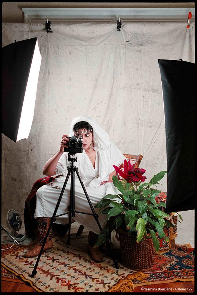 COPYRIGHT-Yasmina-Bouziane_Sans-titre-n°6-alias-La-Signature_1993-1994_Courtesy-de-lartiste-1-copie-686x1024 LES MAROCAINES, MP DE LILLE ART PHOTOGRAPHIE