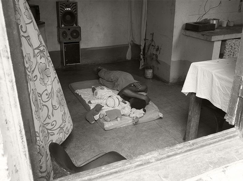 Femme-et-enfant DESMEMORIA Pierre Élie de Pibrac ART PHOTOGRAPHIE