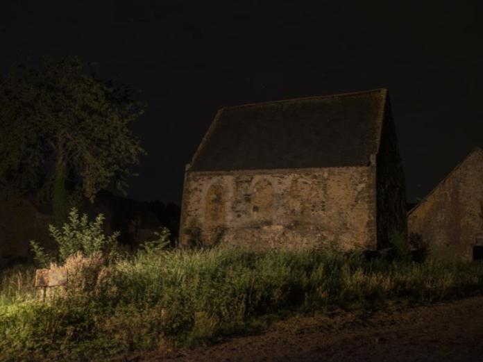 Capture-décran-2021-05-19-à-13.45.00 AUX ÉTOILES, LE POIDS DE LA TERRE DE JULIETTE AGNEL ART PHOTOGRAPHIE
